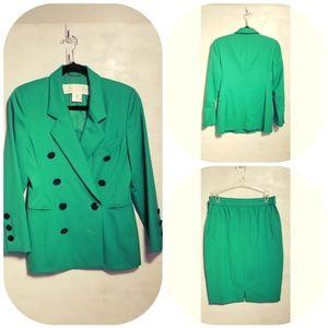 Beautiful Escada Green New Wool Skirt Suit